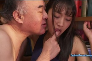 An Tsujimoto naughty jav 18yo ambushed by a dirty old guy at the library
