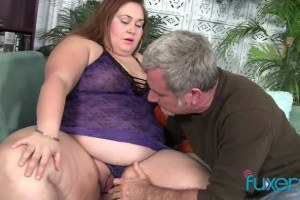Jayden Heart extreme big beautiful woman plays with guy's cock