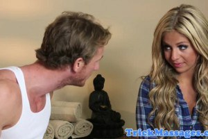Tempestuous blonde Madelyn Monroe gives head the to the masseur