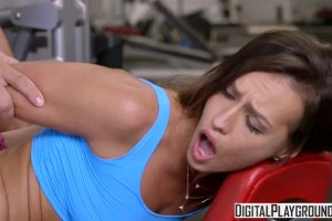 Kelsi Monroe anal sex at the gym with the fitness instructor