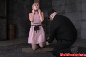 Submissive big ass temptress toyed by master