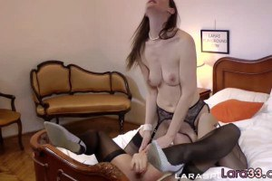 Facesitting posh mommy seduces young model