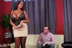 Bigtitted uk mommy blowing before glazing