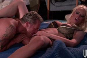 Horny slut banged