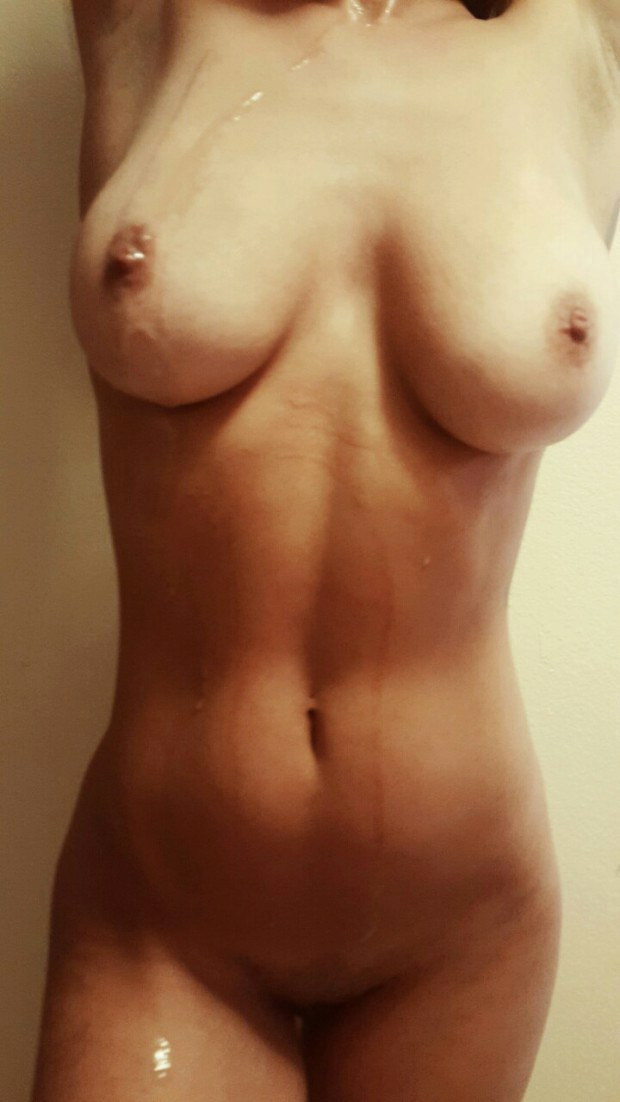 Naked amateur took a messy cumshot