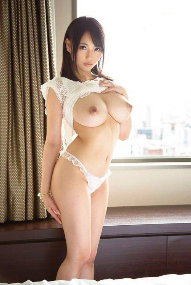 Beautiful Japanese Babe With Super Big Titties-1035
