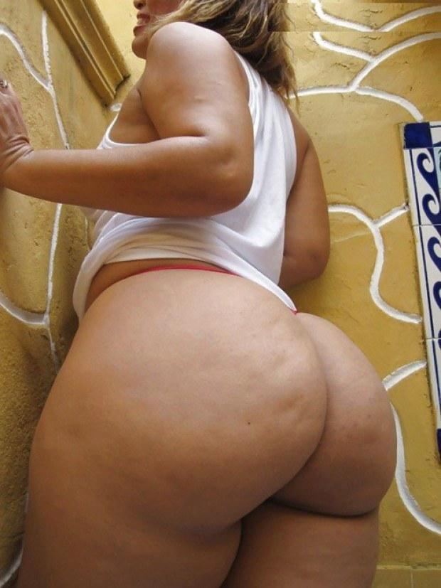 Latina wife has a really kinky bubble butt