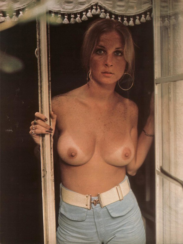 Vintage blonde wife shows her round titties