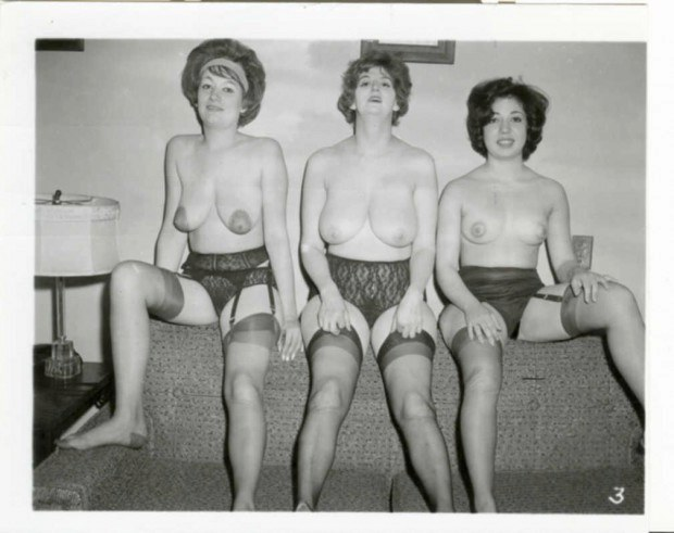 Three Vintage Wives Are Topless On The Sofa-1535