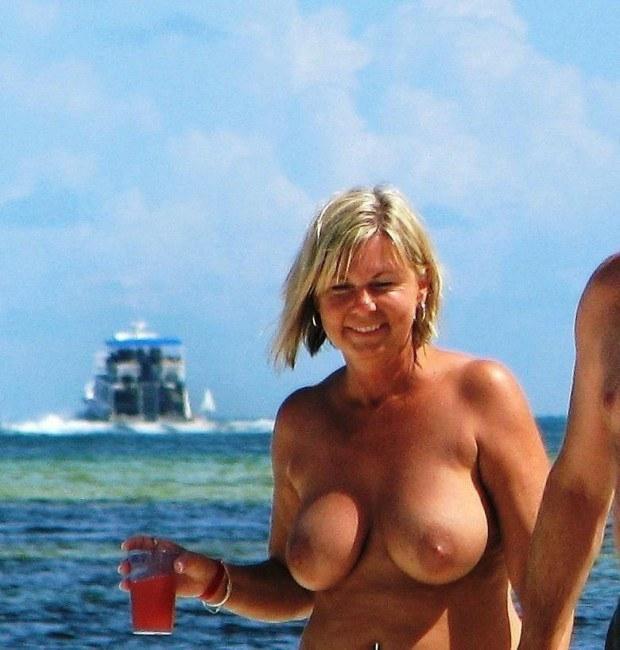 Topless mature pics