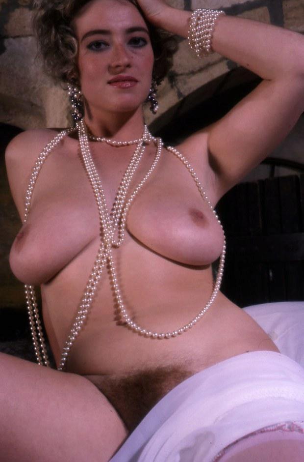 Old school MILF presents her big natural titties