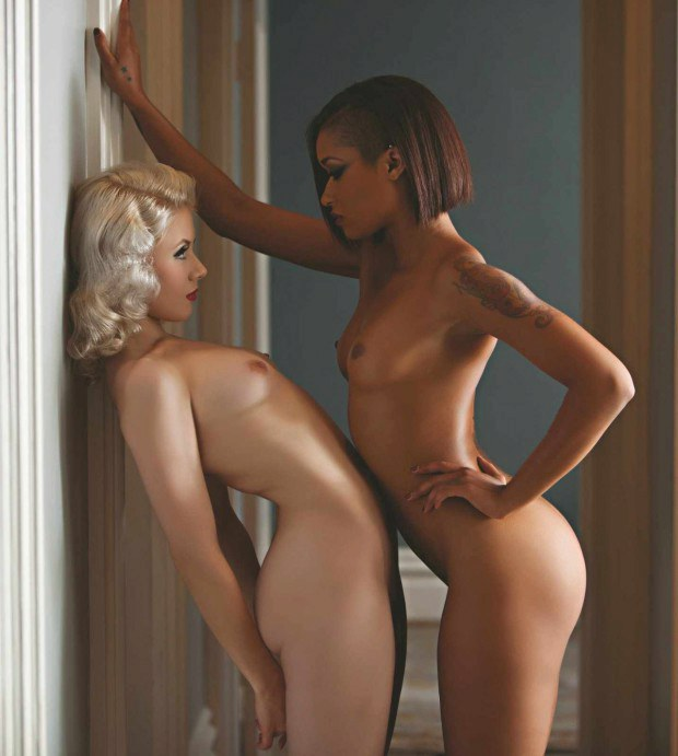 Skin Diamond and her white girlfriend getting horny