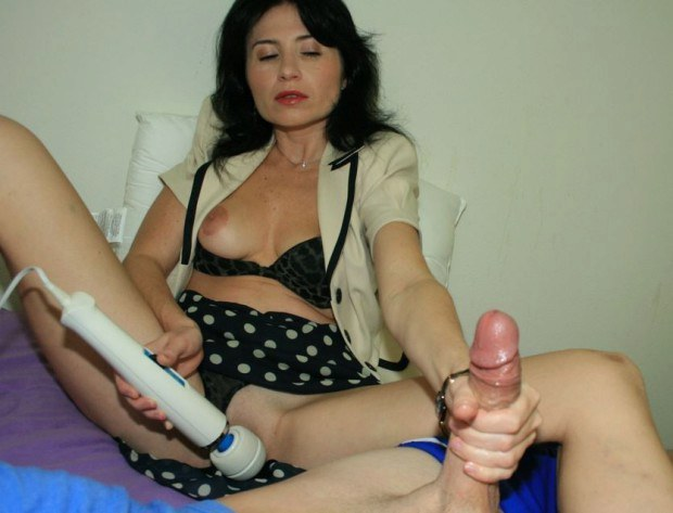 This woman gives a great handjob! -