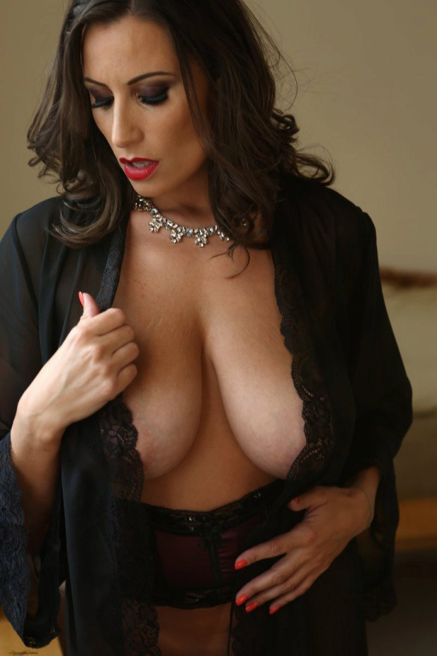 Dreamy Brunette Cougar Exposes Her Boobies-2297