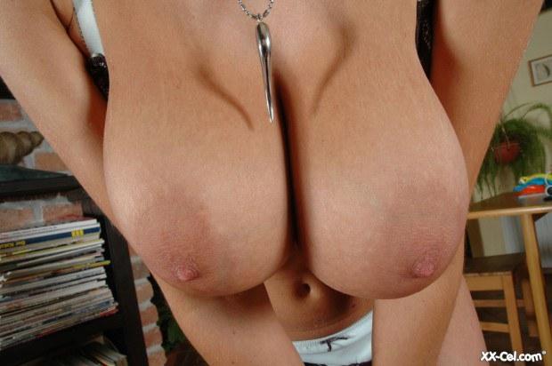 Фото груди отвисшей