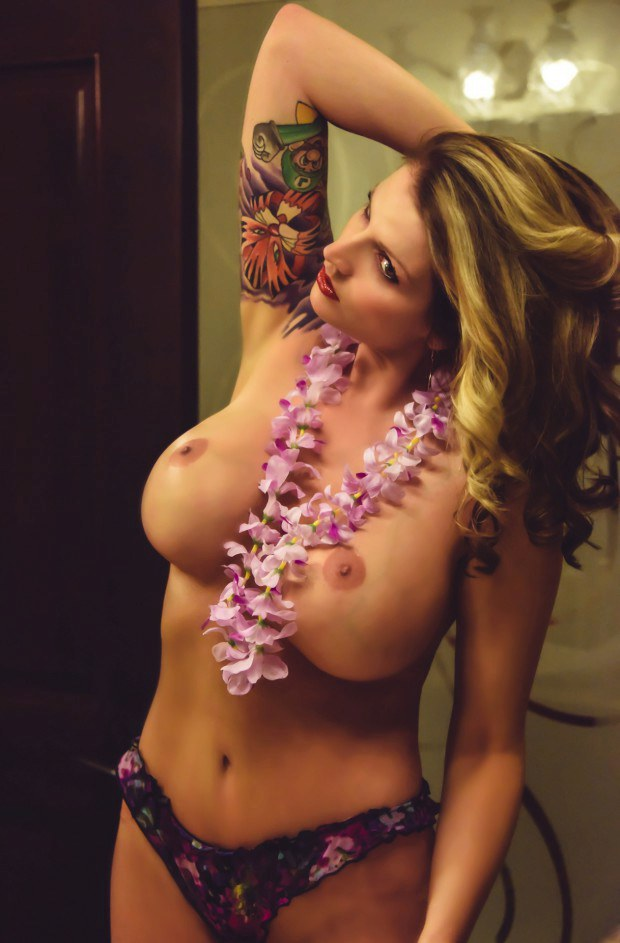 Beautiful blonde with sleeve tattoo has great tits