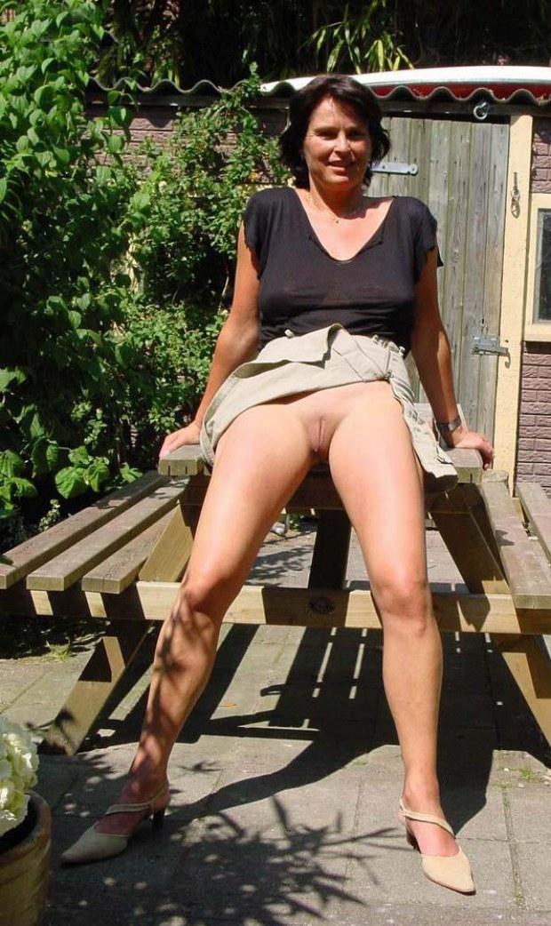 Mature Reveals Upskirt In The Backyard-6555