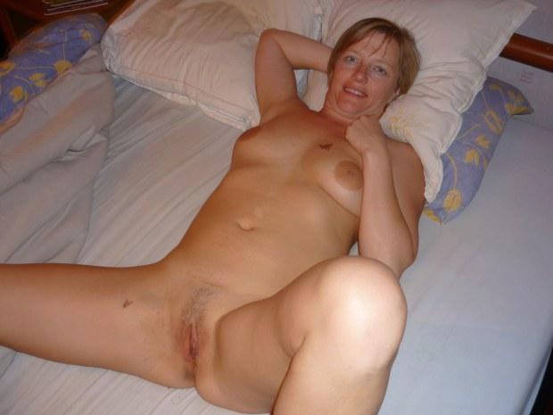 Petite amateur blonde anal