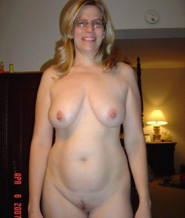 Wife naked for all