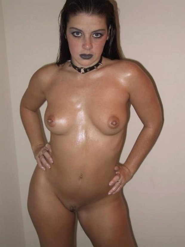 Goth babe has really nice boobs