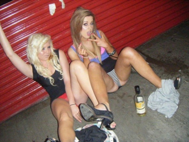 Horny teens spread their legs after the party