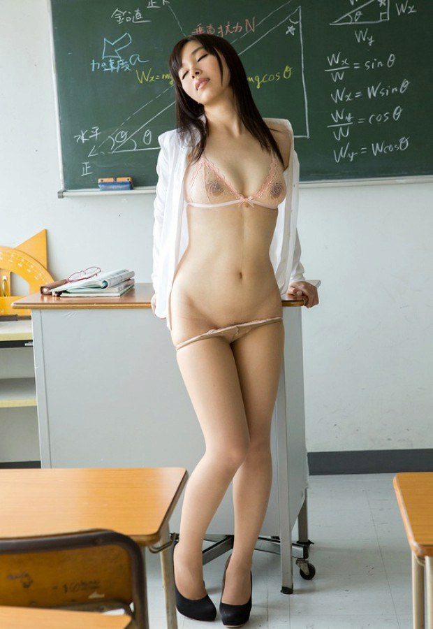 Mesmerizing Jap teacher takes her panties off in classroom