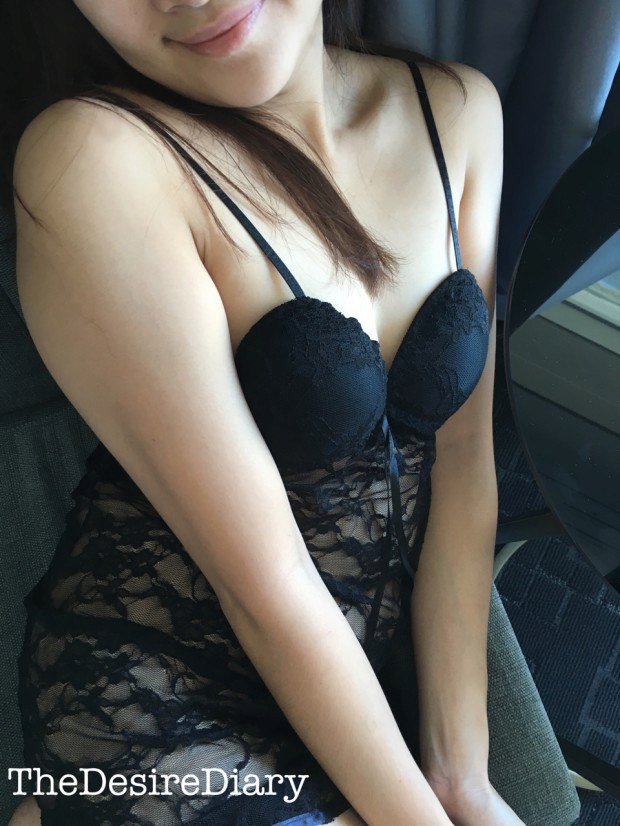 Sexy Asian amateur slowly reveals one of her boobs