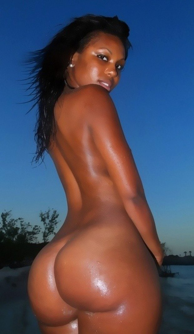 Nude Light Skin Booty On Bed