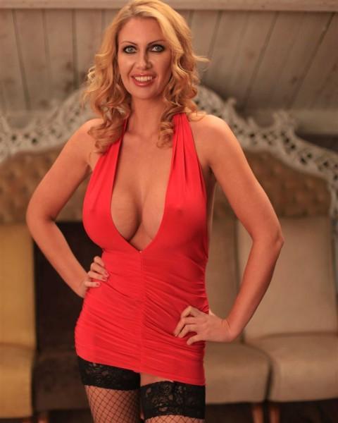 Pornstar Leigh Darby