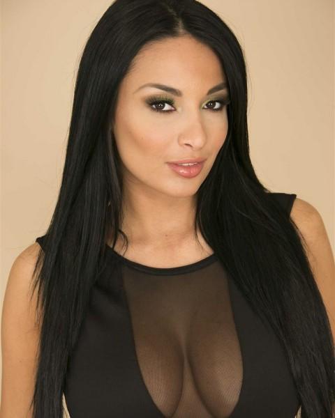 Pornstar Anissa Kate